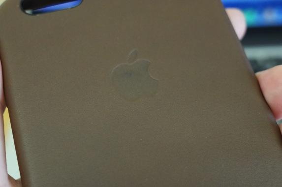iPhone 6 Plus 純正レザーケース